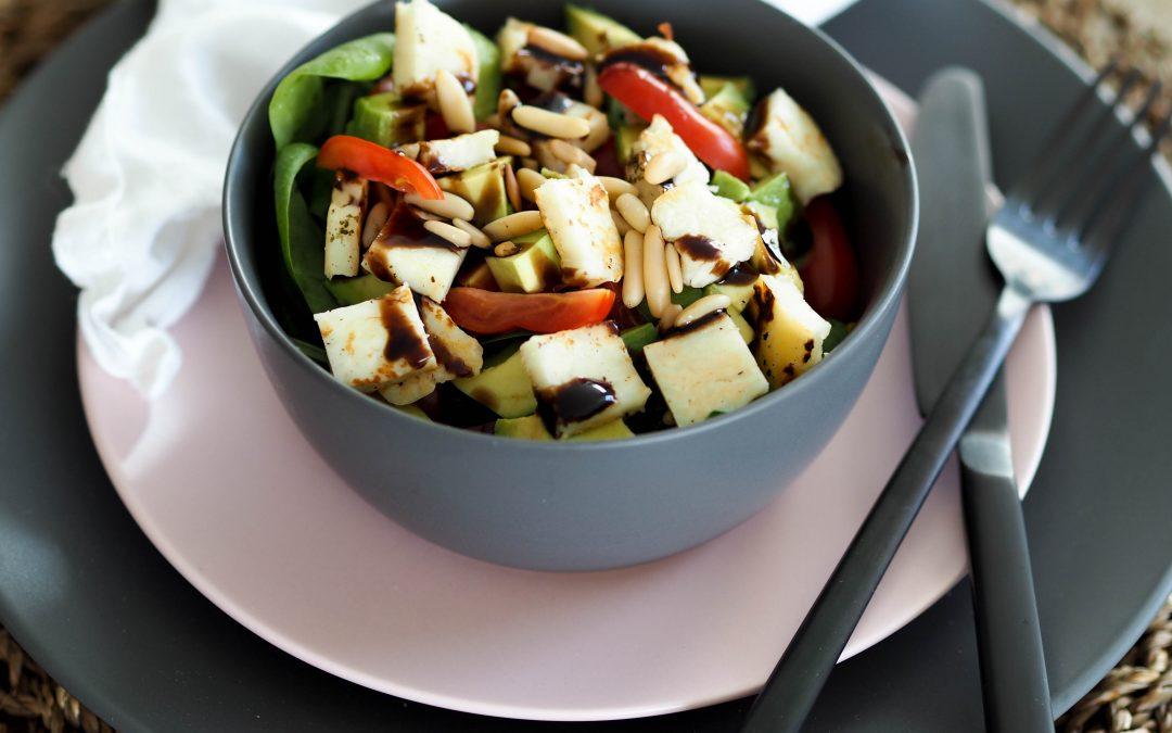 Enkel og god salat med halloumi