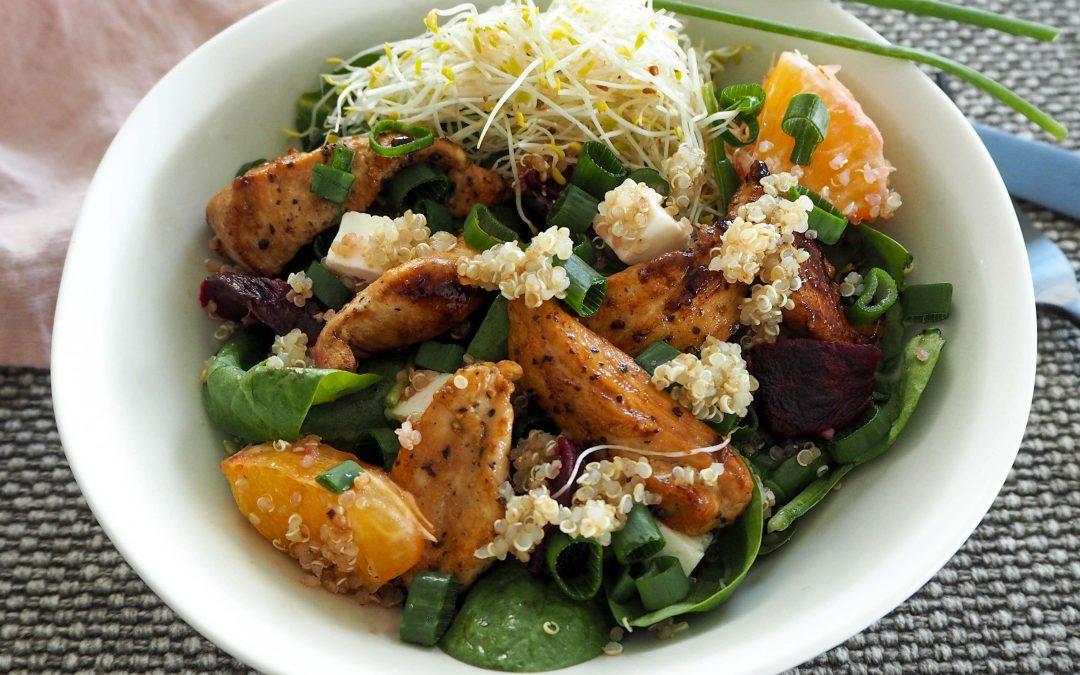 Kyllingsalat med quinoa, rødbet og appelsin